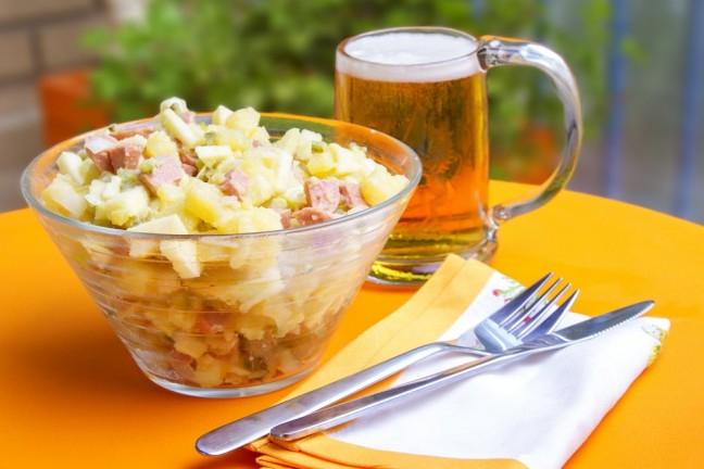 ensalada alemana salchicha alemna frankfurt picken