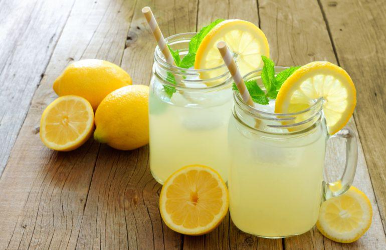 bebidas refrescantes limonada